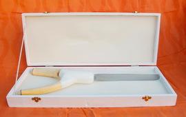 Holzschatulle mit Hochzeitstortenmesser